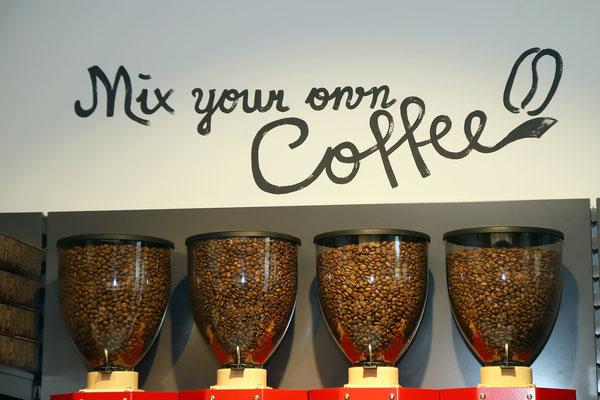 Neu kann man die Kaffee-Mischungen selbst machen. Gerne auch Verpackungsfrei!!