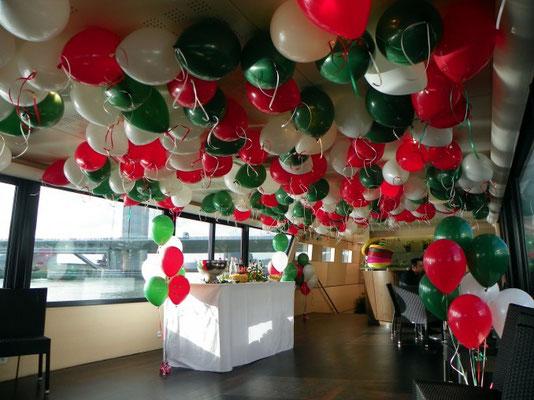 """Décoration de ballons sur le bateau """"La Bodega"""" Rouen"""