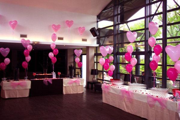 Décoration de ballons coeurs roses