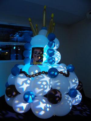 Gâteau d'anniversaire en ballons