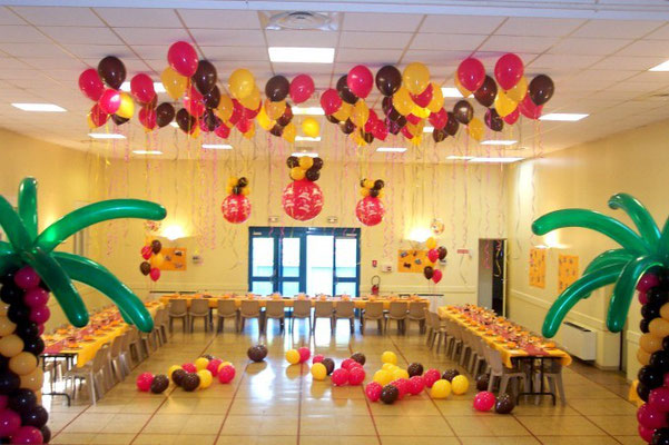 Déco ballons anniversaire tropical