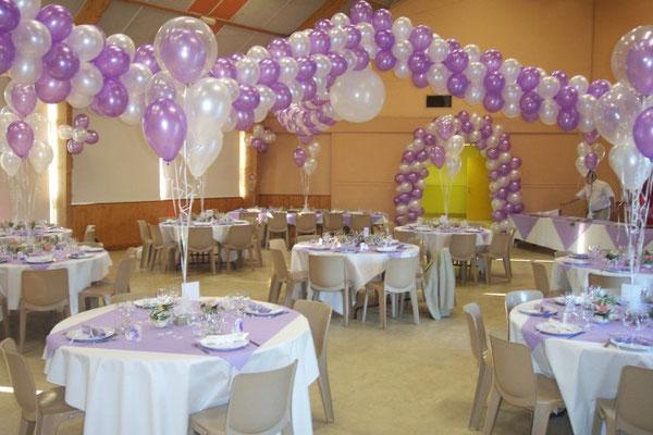 Décoration de ballons mariage lavande et blanc