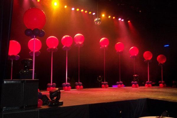 Colonnes de scène en ballons hélium
