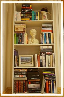 Wohnzimmer Bücherecke