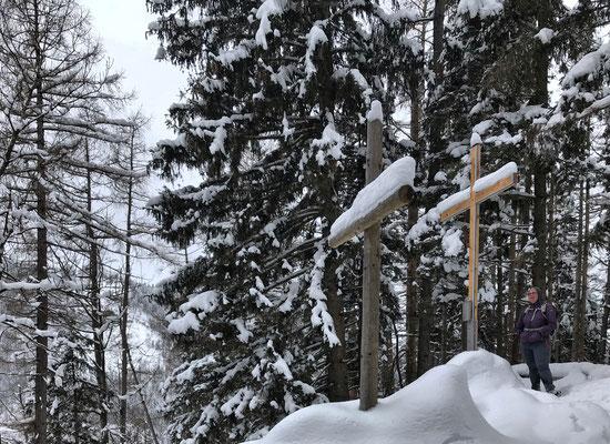 Zwei Gipfelkreuze am Großen Madron