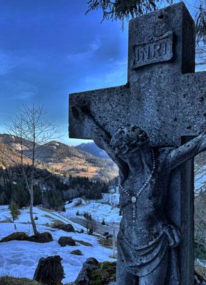 Kreuz neben der Bergkapelle Rosengasse