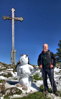 Gipfelfoto mit Schneemann