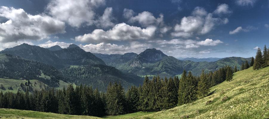 Blick auf Wendelstein und Breitenstein