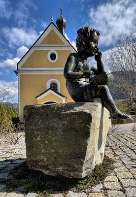 Figur an der Alten Post Fischbach
