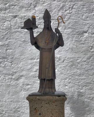 Bronzestatue an der Wallfahrtskirche von Josef Hamberger
