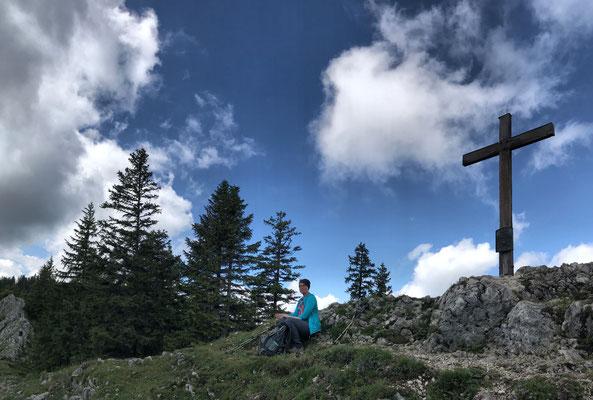 Am Gipfelkreuz des Predigtstuhl
