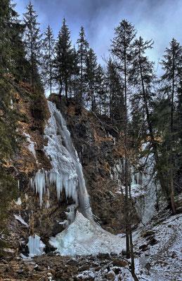 Vereister Arzmoos Wasserfall