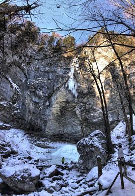 Schoßrinn-Wasserfall im Winter