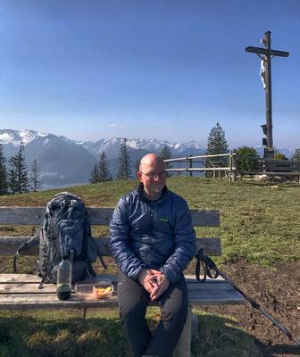 Brotzeit am Schwarzenberg-Gipfel
