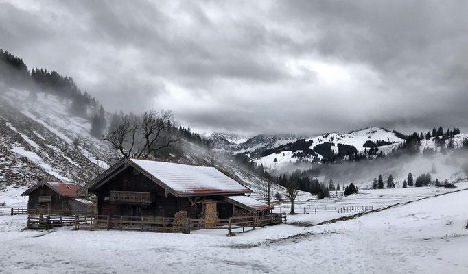 Winterlicher Blick ins untere Arzmoos