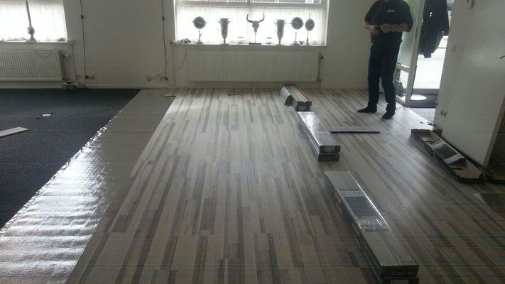 Douwes Dekker Laminaat : Douwes dekker drijfhout grijs 80 m² de laminaat expert