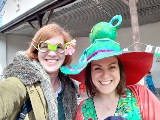 Ecole Sainte Marie : accessoires récup pour le carnaval