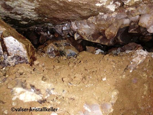 Kristalle in der Kluft - Grimsel Schweiz