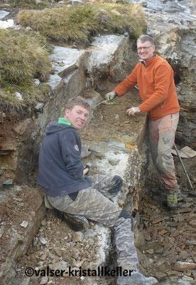 Hannes und Richi an der Hämatitquarz Kluft - Vals Graubünden