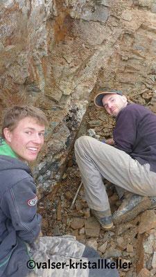 Hannes und Michi an der Hämatitquarzkluft - Vals Graubünden Schweiz