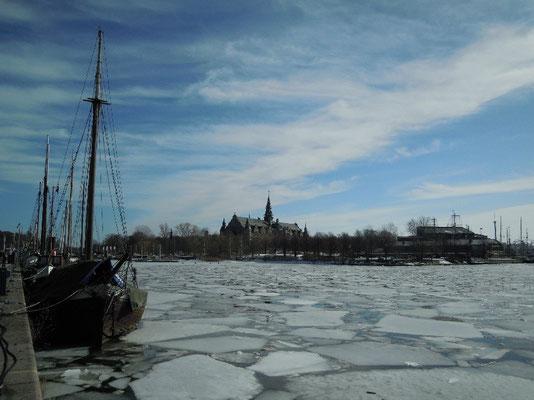 ice on Ladugårdslandsviken