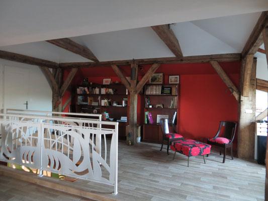 Création d'un espace bibliothèque dans la nouvelle mezzanine