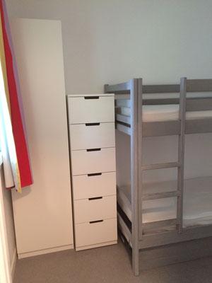"""Optimisation des m2 pour un """"mini dressing"""" dans la chambre"""