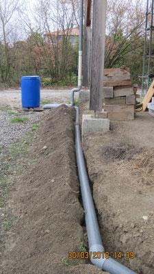 tuyau d'évacuation du troplein vers le réseau d'eaux pluviales