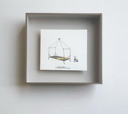 Collage - Boîte en profondeur avec finition sous-verre papier.
