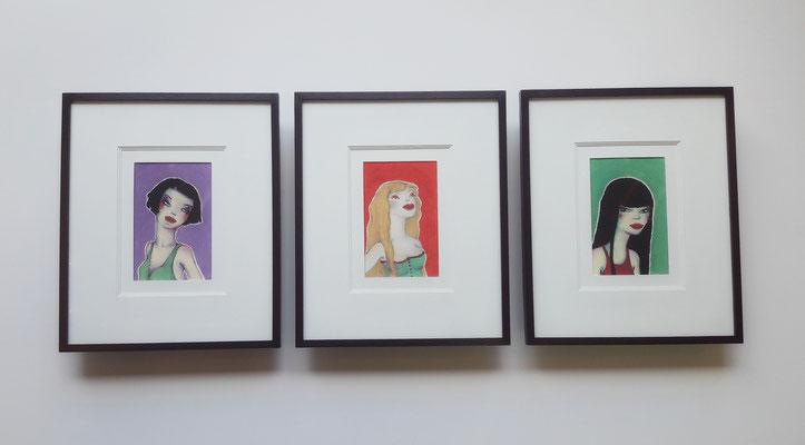 Trois jeunes femmes - Triple carte finition plat 10 mm peint lis de vin.