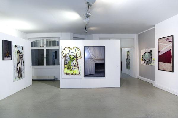 Ausstellungsansicht SILJA YVETTE mit Künstlerin Christine Straszewski in der Galerie, 2016