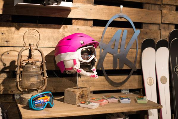 eröffnung sportART ineichen 15.10.2016 skihelm