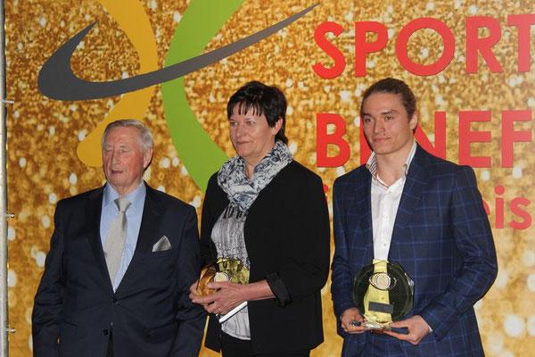 Pokal Übergabe Platz 1 für Max Reder