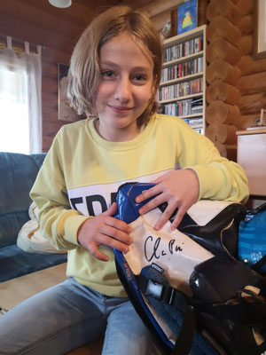 Milena Knülle, mit der Unterschrift von Claudia Pechstein
