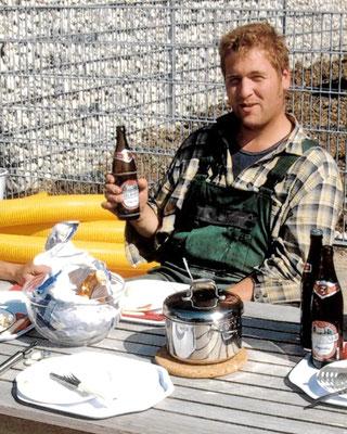 Netter Bauherr spendierte am 30. Geburtstag vom Chef Sekt, Weißwürste und Bier.