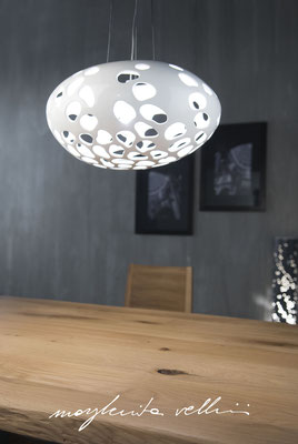 Lampade a sospensione Sasso piccolo BLOB Maiolica smalto bianco lucido Margherita Vellini Ceramica Italiana fatta a mano Home Lighting Design