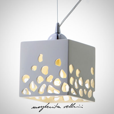 Sospensione cubo  BLOB Maiolica smalto bianco lucido - Margherita Vellini - Lampade in ceramica - Home Lighting Design