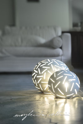 Sphere lamps FITTI shiny white glaze. Margherita Vellini Ceramica Italian handmade ceramics. Home Lighting Design