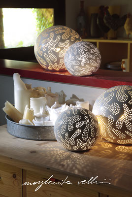 Sphere lamps GINGER matte white glaze. Margherita Vellini Ceramica Italian handmade ceramics. Home Lighting Design