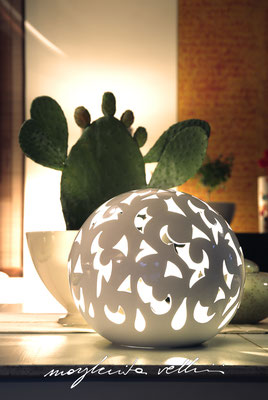 Sphere lamps BAROCCO shiny white glaze.  Margherita Vellini Italian handmade ceramics. Home Lighting Design