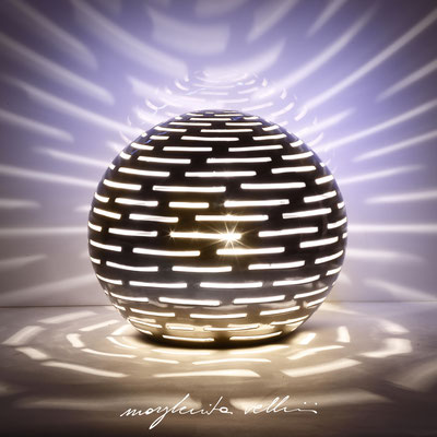 Sphere table lamp ORIZZONTALI precious metal Platinum 15% Margherita Vellini - Ceramic Lamps -  Home Lighting Design - Made in Italy