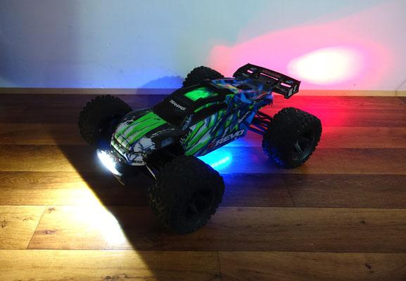 Durch die Verwendung eines Tuning-Bumpers von T-Bone Racing ist der Lichtkegel ganz definiert und wirklich nur nach vorne gerichtet.