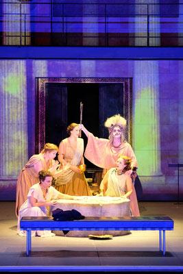 Zweite Magd (Strauss: Elektra, Badisches Staatstheater Karlsruhe, Januar 2019, @Falk von Traubenberg)