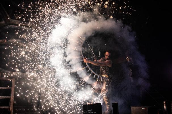 Feuerbogen, Bühnenshow Feuerengel