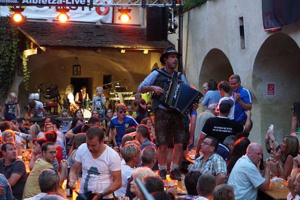 www.albfetza.de Österreichs Oktoberfest Stadtfest Festzelt Partyband