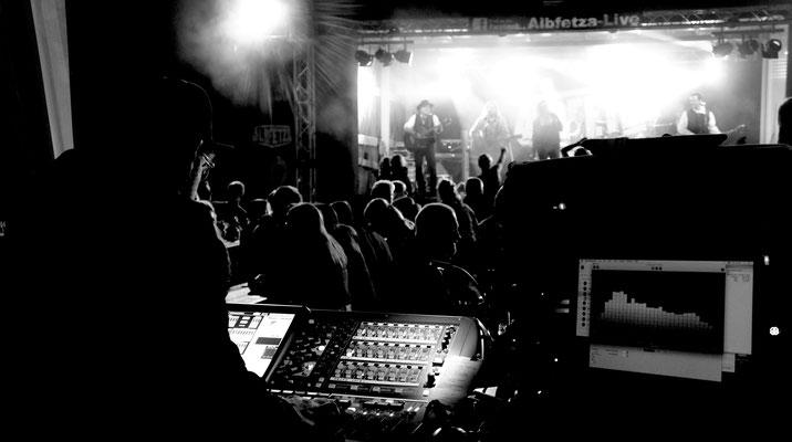 Europas Oktoberfest Partyband www.albfetza.de