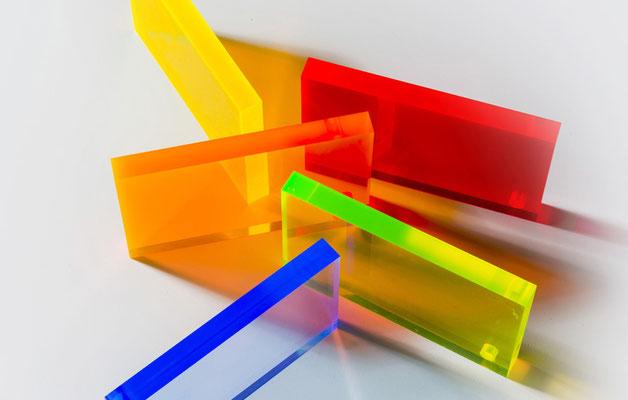 Neon Acryl Platten Werkstoff, hervorragend geeignet für Aufsteller, Warenpräsentation und Beleuchtungen.