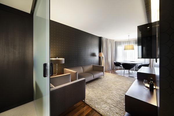 Hoteleinrichtung, Renovierung, Glasabtrennung, Glastür, Spiegeldesign, Textilglas
