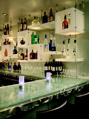 Ob Barfront, Countertop oder Möbelgestaltung - mit Lumicor Designplatten haben Sie die richtige Wahl getroffen.