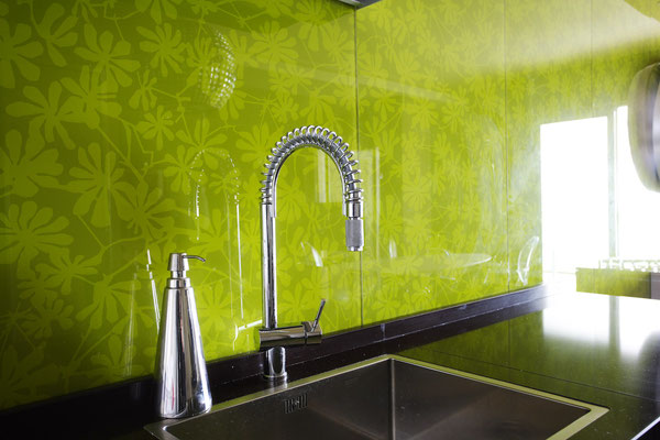 Dekorglas für die Küchenrückwand und Möbelfront als Print